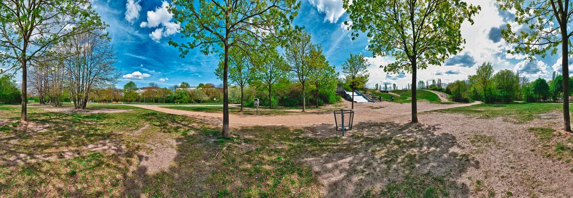 Bei der Riesenrutsche im Görlitzer Park